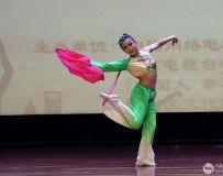 独舞-红丝巾3