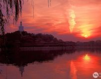 夕阳映北海