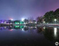 《油城的夜》