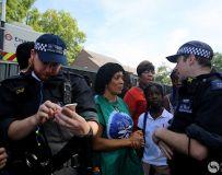 狂欢节--忙碌的警察